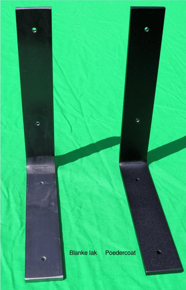 blanke lak en zwarte poedercoating - kleine afbeelding